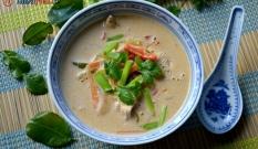 Zupa laotańska z kurczakiem