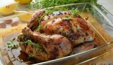 Kurczak z cytryną, czosnkiem i tymiankiem