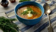 Zupa z cukinii, kapusty pekińskiej i pomidorów