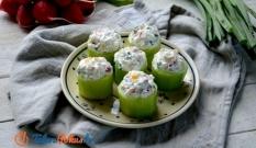 Ogórki faszerowane twarożkiem z warzywami