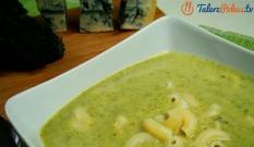 Zupa brokułowa z gorgonzolą