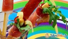 Włoskie paluszki z szynką