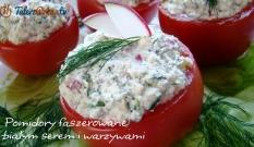Pomidory faszerowane białym serem i warzywami