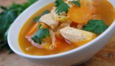 Zupa z piersi kurczaka i kapusty pekińskiej