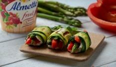 Roladki z grillowanej cukinii i warzyw
